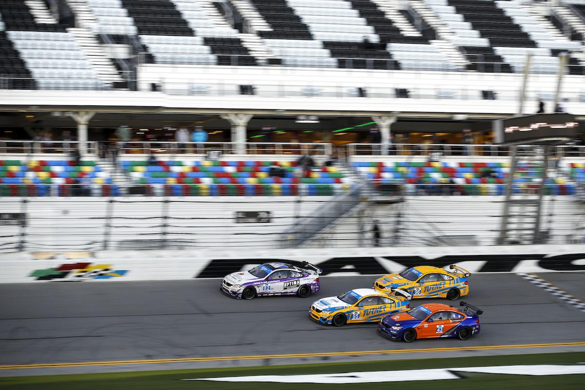 No. 82 M4 GT4 leading pack of four on the banking BimmerWorld Racing - IMSA Michelin Pilot Challenge - Daytona International Speedway